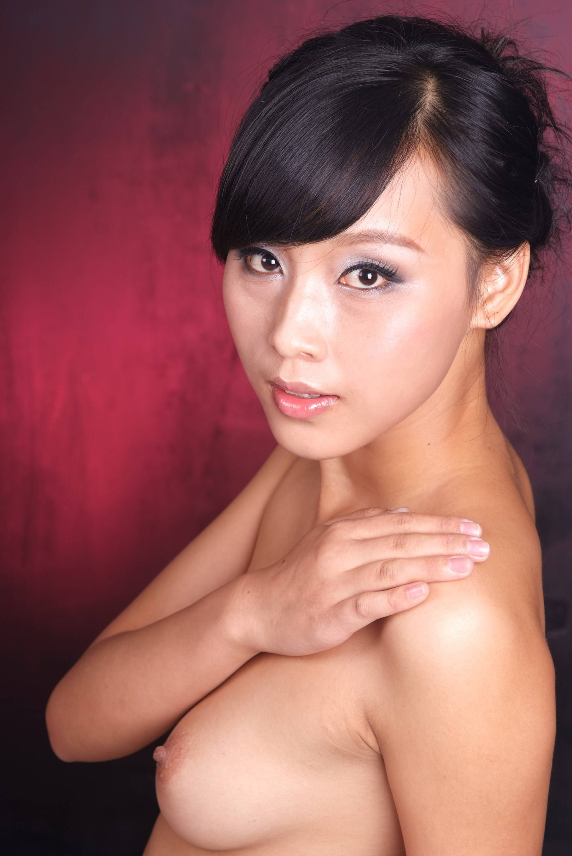payudara montok mulus janda muda cantik difoto model seksi bugil